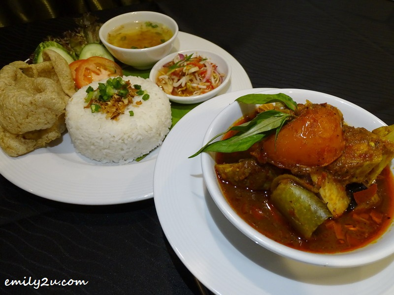 20. Asam Pedas Ikan Pari lunch set