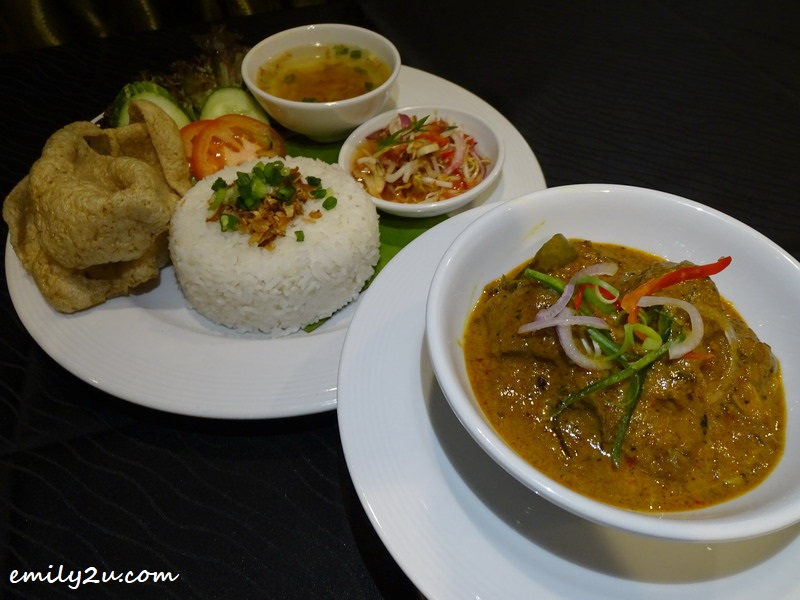 19. Rendang Ekor lunch set