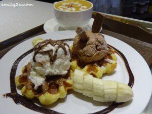 3 Madame Waffle