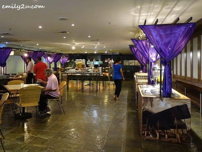 4. Saffron Brasserie