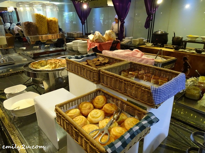 5. bread counter during breakfast at Saffron Brasserie