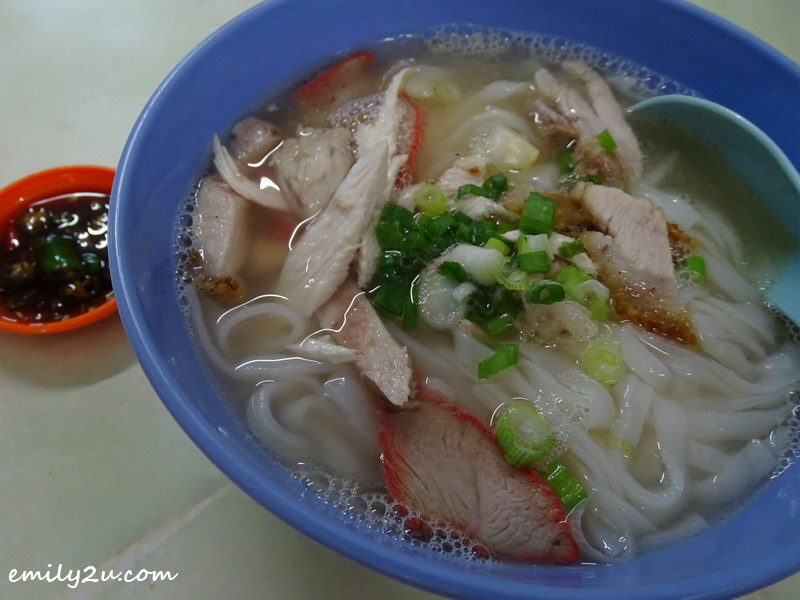 6. noodles in clear broth for those who prefer a milder breakfast