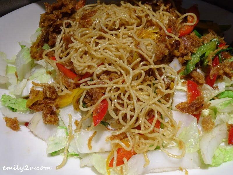 10. wok-fried Mee Kolok