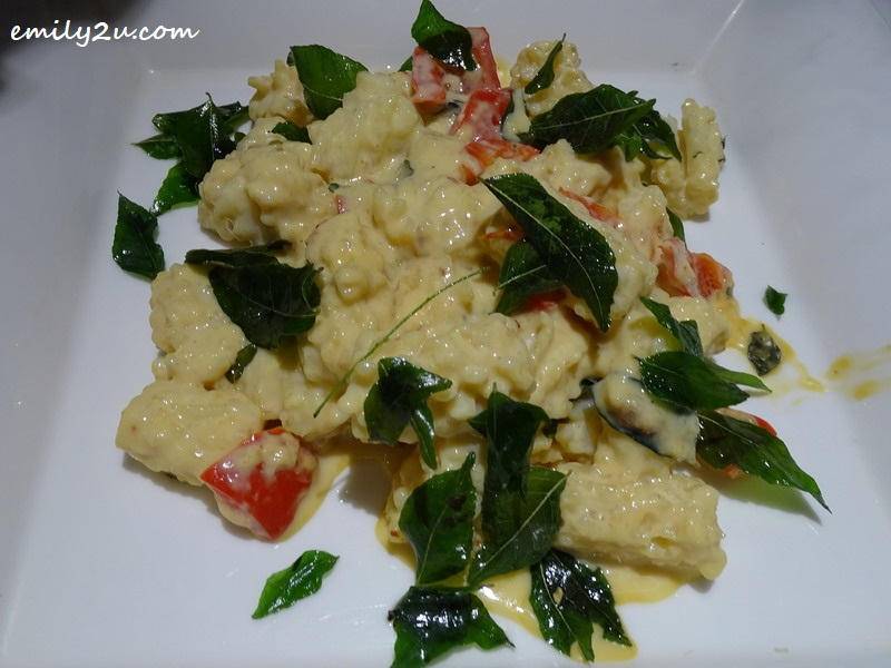 12. Squid Butter Sauce with Curry Leaves