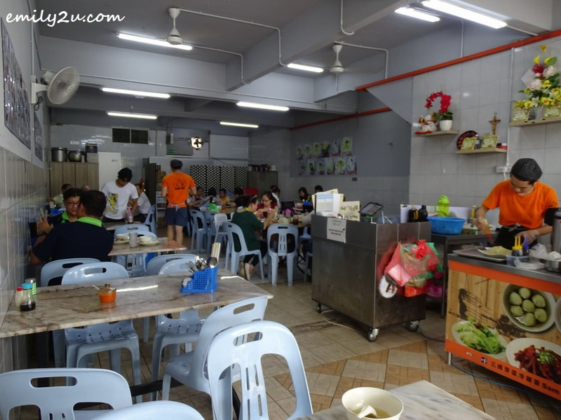 8. Sam Ma Chicken Rice Shop