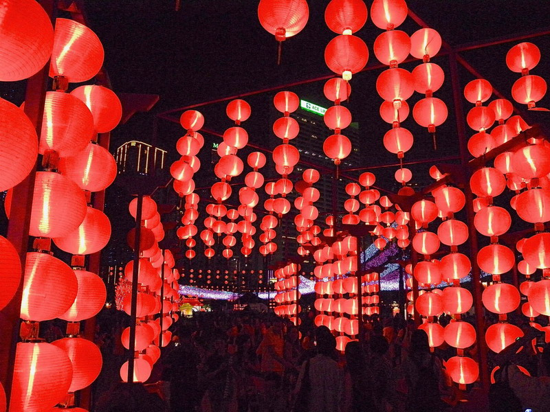 Mid-Autumn Festival red lanterns in Victoria Park. Photo credit: Leo Li