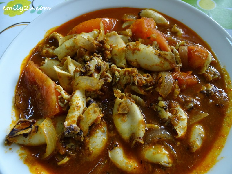 3. hot and tangy squid with MamaBz asam pedas multi-purpose paste