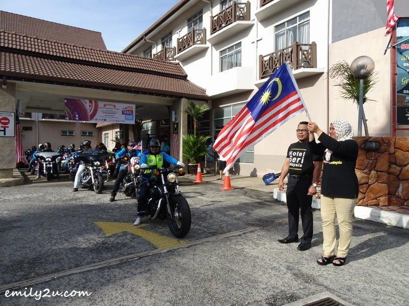 12. flag off at Hotel Seri Malaysia