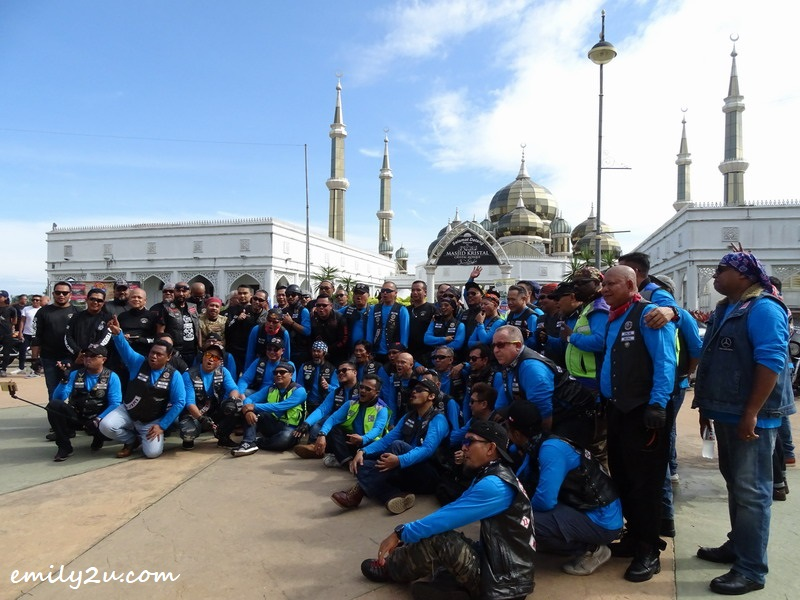 14. photo opportunity in front of Masjid Kristal (Crystal Mosque)