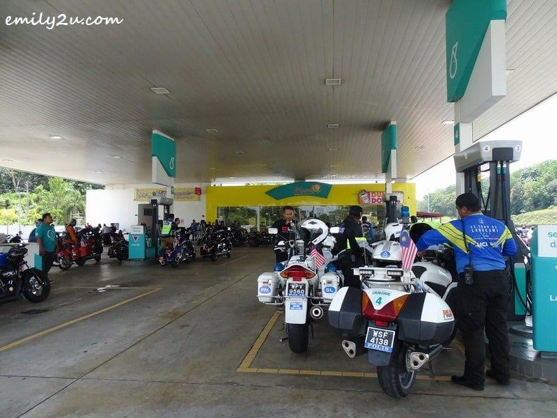 38. fuel stop at Petronas Gambang