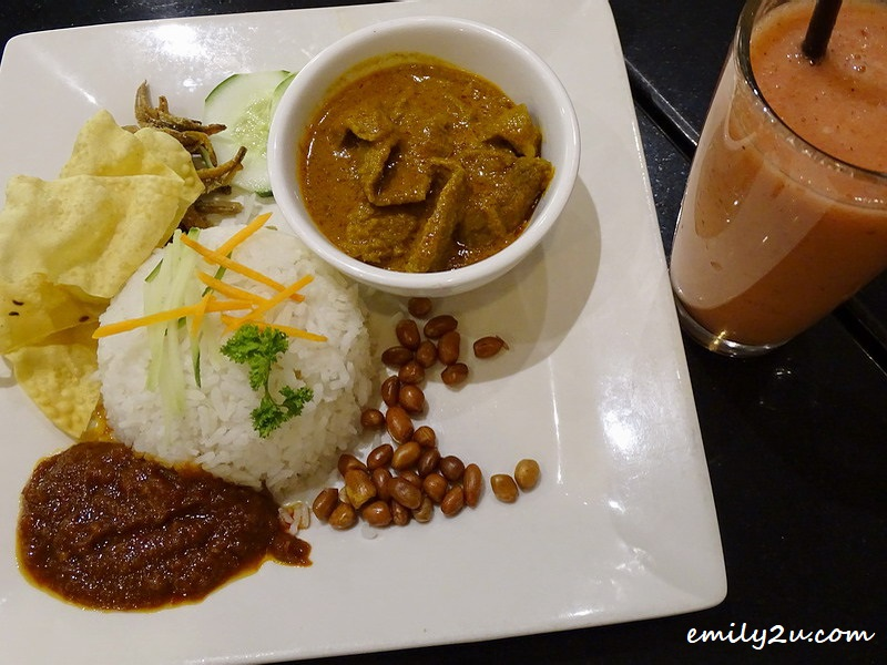 4. Rendang Beef Rice