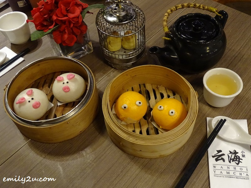 4. Salted Egg Yolk with Lotus Paste Filling in bird cage