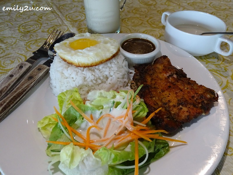 6. Grilled Chicken Chop Rice with Egg
