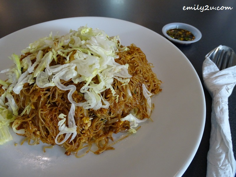 6. Singapore-style Fried Mee Hoon