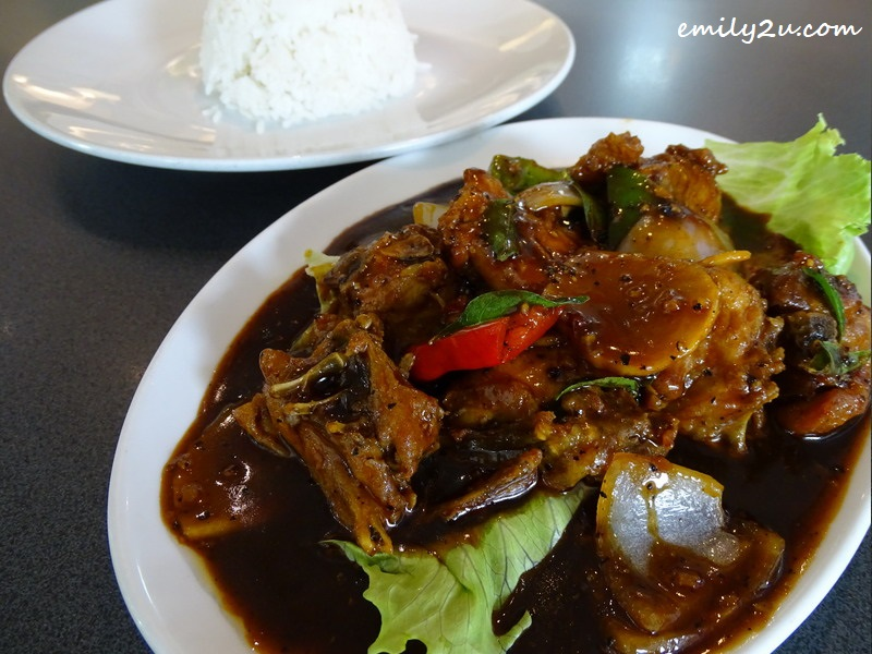 8. Black Pepper Chicken with white rice