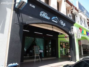 1 Blue Mountain Cafe