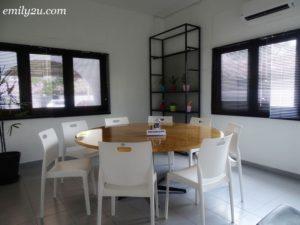 12 8 House Cafe