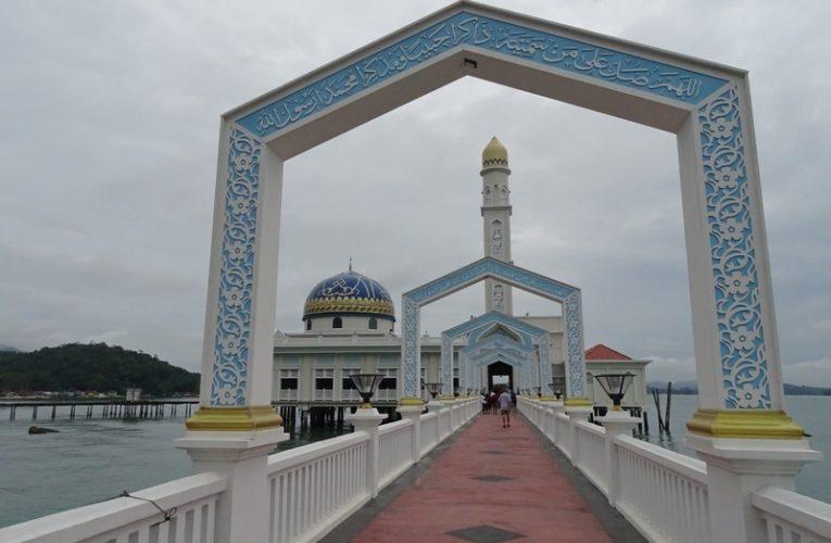 Masjid Al-Badr Seribu Selawat, Pangkor Island's Iconic Floating Mosque