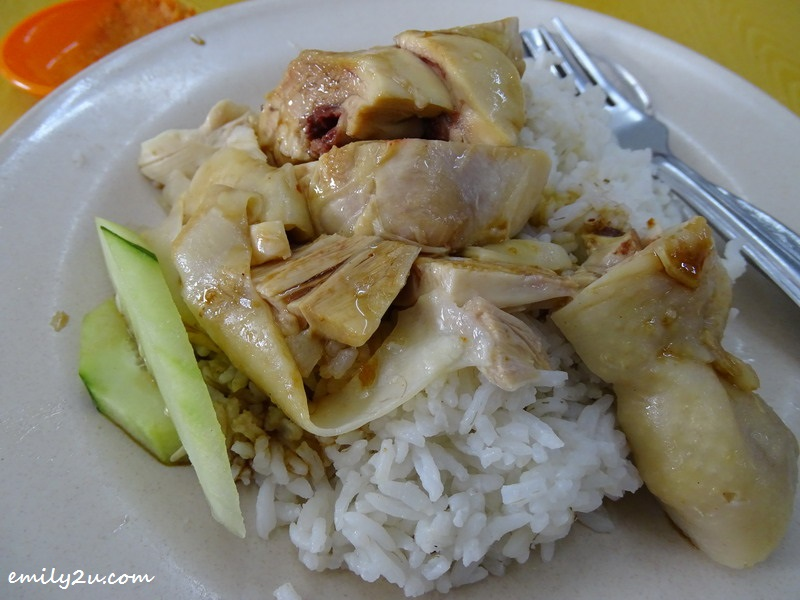 3. Hainanese chicken rice (selection of white rice)