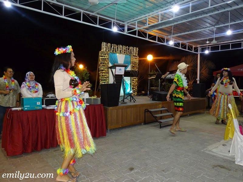 33. Hawaiian dance