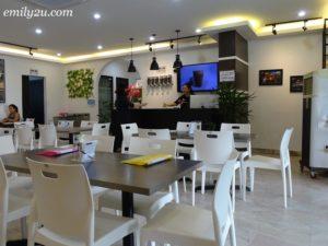 4 8 House Cafe