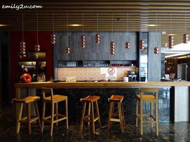 6. Lobby Bar Café