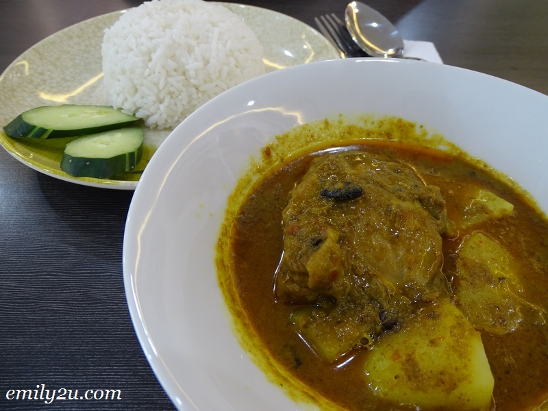 8. Curry Chicken Rice