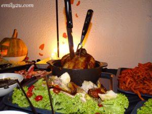 8 Halloween Dinner Party