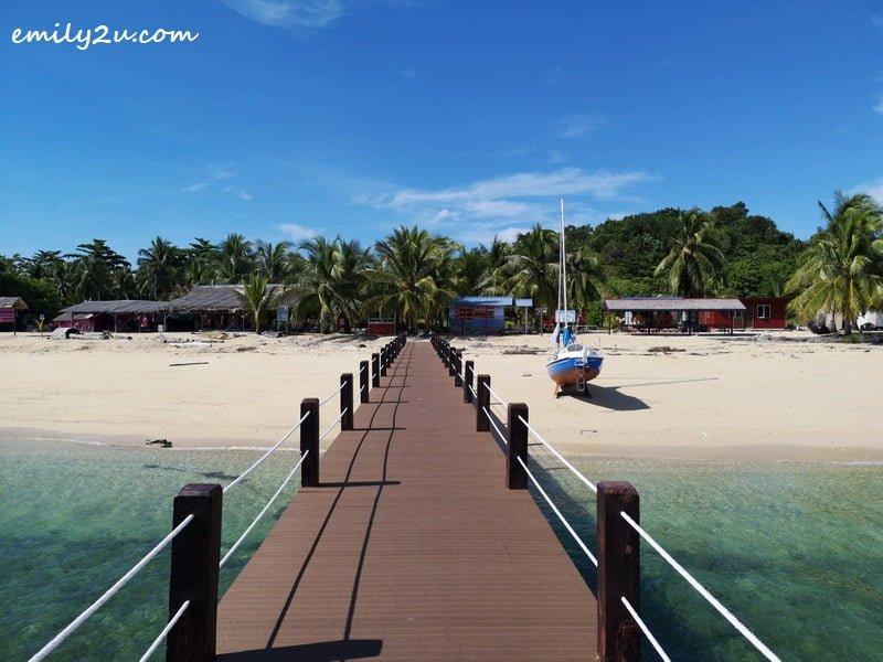 1. arriving at Pulau Rusukan Besar, Labuan