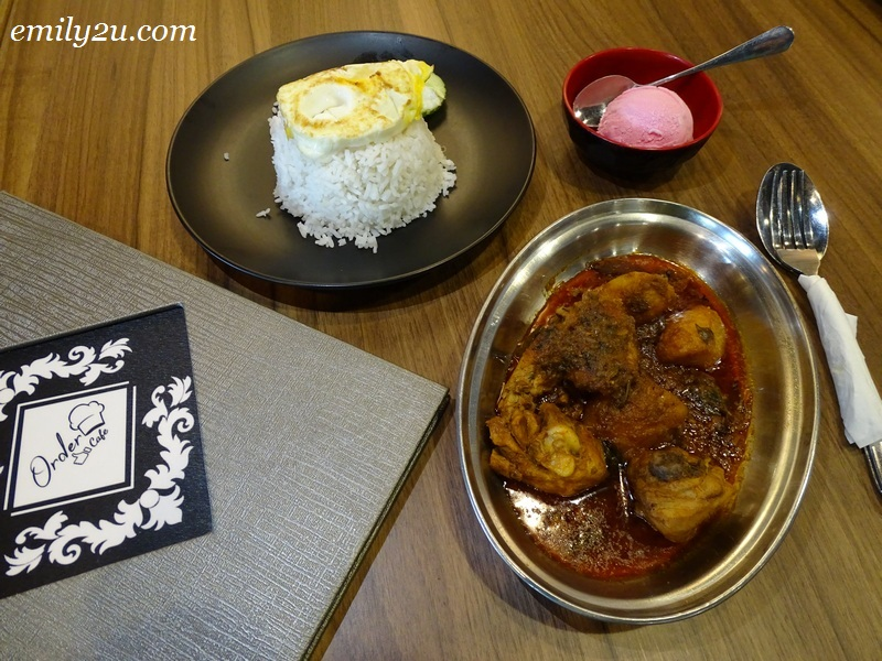 7. Curry Chicken Rice