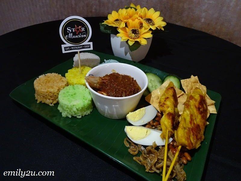 8. 5-Star Premium Seafood Nasi Lemak
