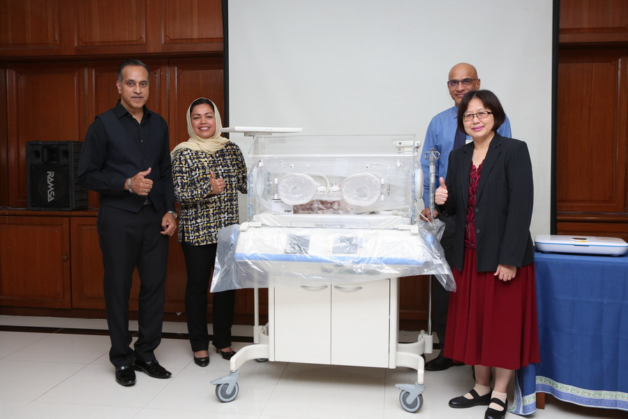 1. handover of one unit Drager Isolette 8000 Plus Incubator (Premium) to NICU
