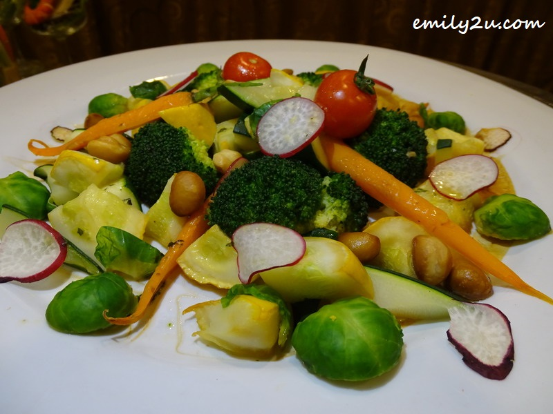 10. sautée buttered vegetables with almond flakes