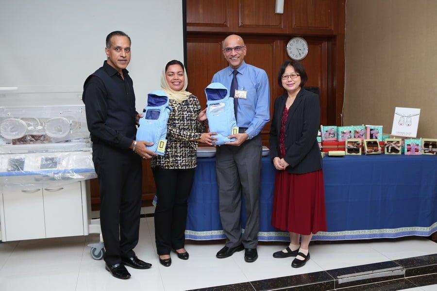 2. handover of Embrace Nest Starter Packs (L-R): Founder & CEO of IIFW™ Mr Louis Sebastian, YBhg. Datin Seri Dr. Nomee (IIFW™ Adviser), Dr. Jayabalan - Head of Paediatric Department.(HRPB) & Pengarah Hospital Raja Permaisuri Bainun Dr. Teo Gim Sian