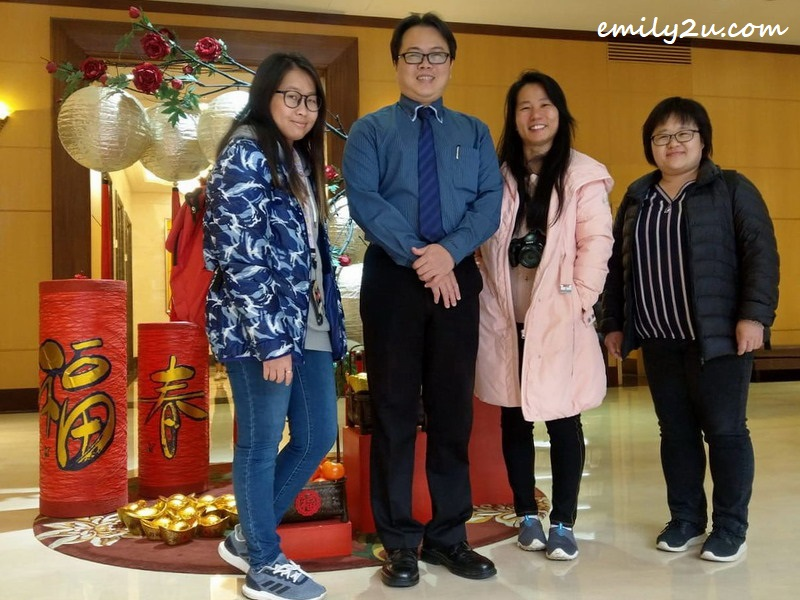 (L-R) Tour Leader Ms Goh Suet Eng of Golden Century Tour & Travel, Fushin Hotel (Tainan) Executive Vice General Manager Mr Solomon Lin, yours truly and Ms Tammy Chien, Sales & Marketing Director of Polo Holidays Co. Ltd., pose for a photo at the hotel