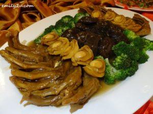 16 Menu B Braised Mushroom, Whole Abalone, Goose Webs & Broccoli