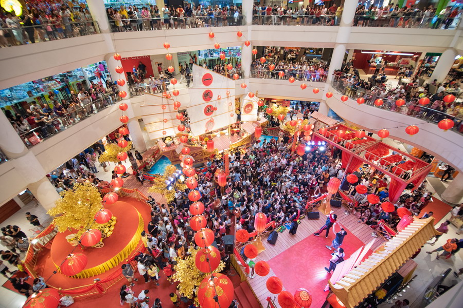 performances lined up during the weekend attract a full house at Ipoh Parade