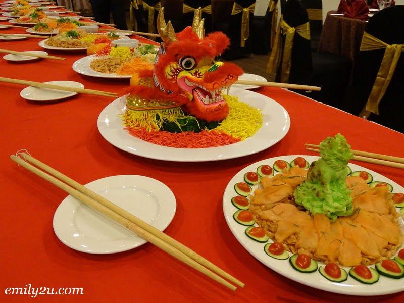 4. dragon-shaped yee sang
