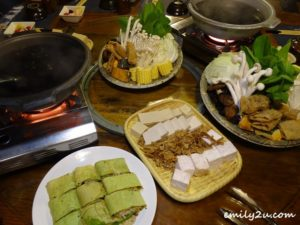 12 Zhou Ye Cottage
