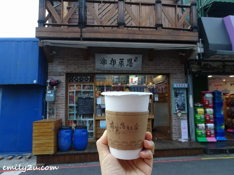 Taiwanese black tea from a store near YongLe market