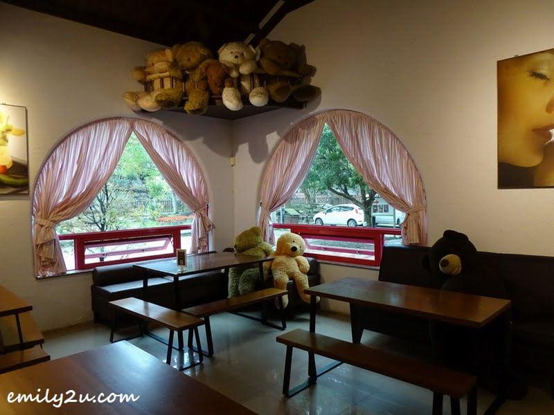 Taiwan is Teddy Bear Land (again)