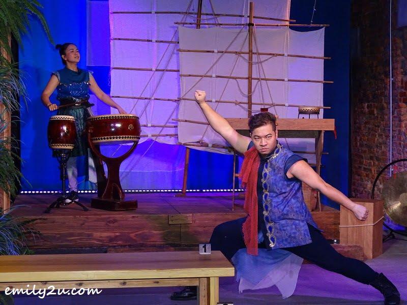 stage play at Eirakucho Drum Tea House