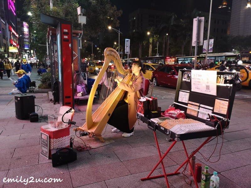 Ximending street performer