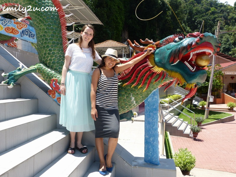 Tefa (R) & Anne (L) pose with the dragon at Wat Puthanimittam, Ipoh