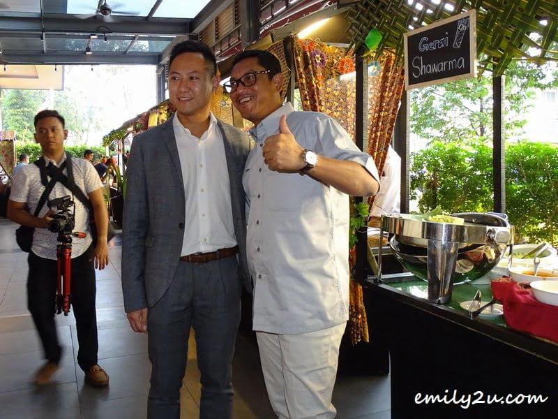 Yu-Wei, Liew, Executive Director of WEIL Hotel (L) with Perak Menteri Besar, Dato' Seri Ahmad Faizal bin Azumu