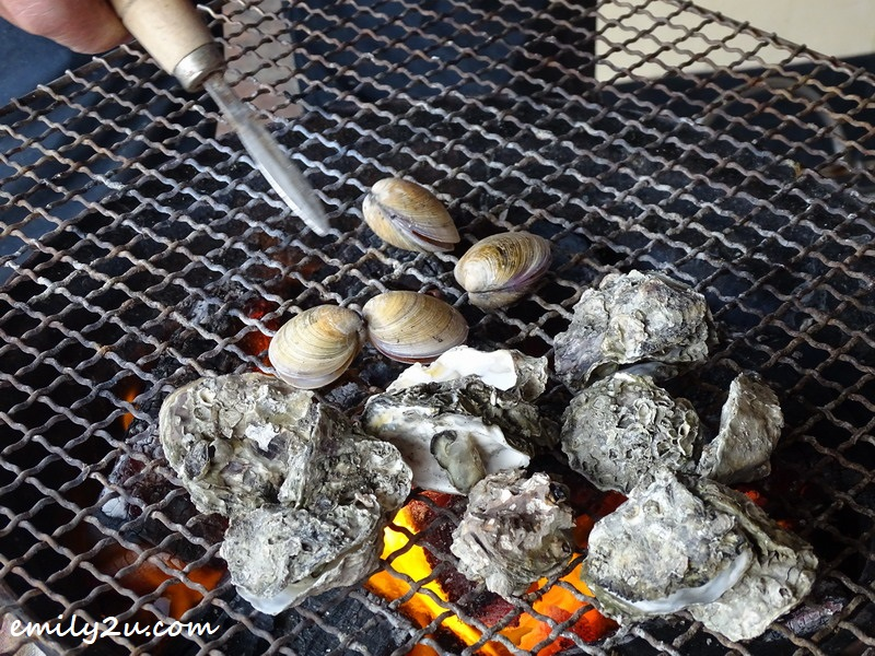 grilling oysters and clams