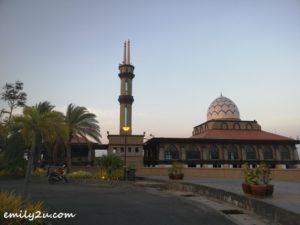2 mosque near Kuala Perlis Jetty