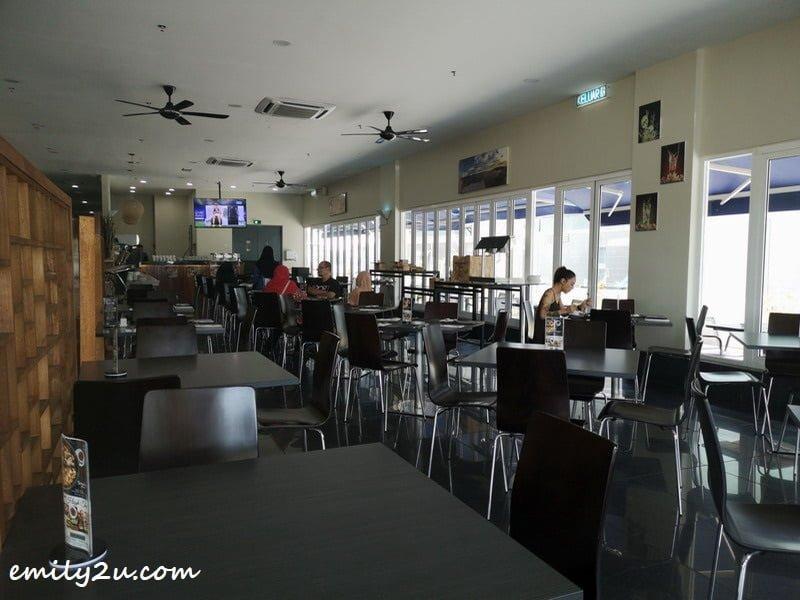 Nadias Café