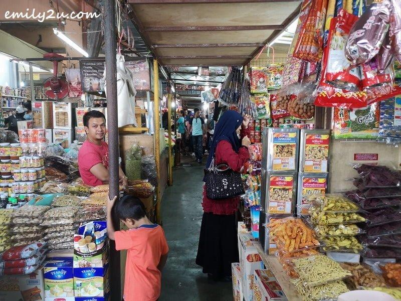 5. Padang Besar stalls