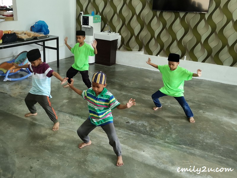silat demonstration by some of the children